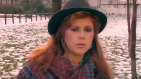 <p>Kirsty MacColl</p><p>'A New England'</p><p>Directed by Sebastian Harris</p>  <p>Edit by Jerry Chater</p>